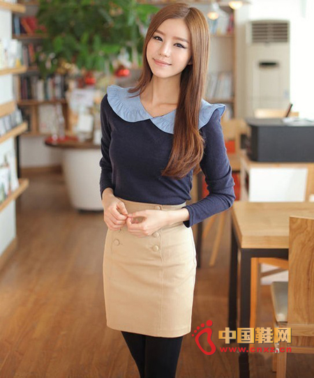 A sweet and intellectual outfit, sweet doll collar shirt, bring out the lovely side