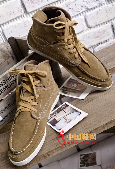 British fashion simple version of casual high-top shoes, high casual fashion models, fashionable male style oh!