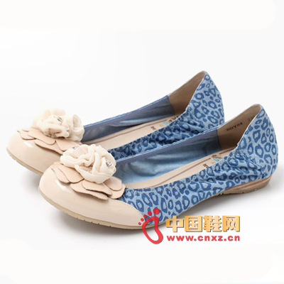 Embark on this pair of comfortable Tianmei Yi flat shoes, so that the footsteps will also become light up