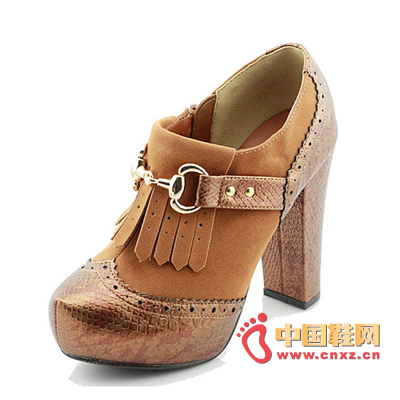 Serpentine metal hits the color water platform fashion heels, elegant and retro design, suitable for Mori women's shoes.