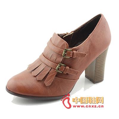 Fringe rough heels, high-heeled shoes, Japanese classic shoe-type design, rich retro atmosphere exudes.
