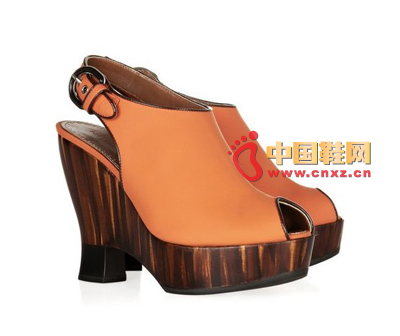 Wooden wedge shoes