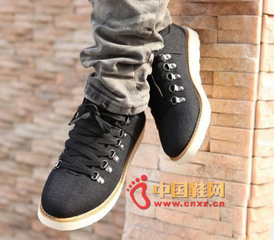 This wave of shoes known as the latest Korean version of the season's casual men's canvas shoes, Europe and the United States wind wild must-have selection.