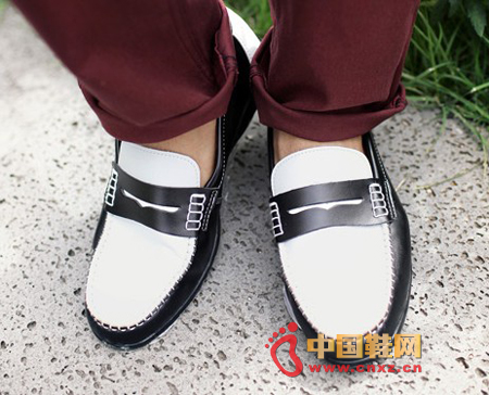 Elegant and stylish color slippers, soft leather, elegant color, clean and simple