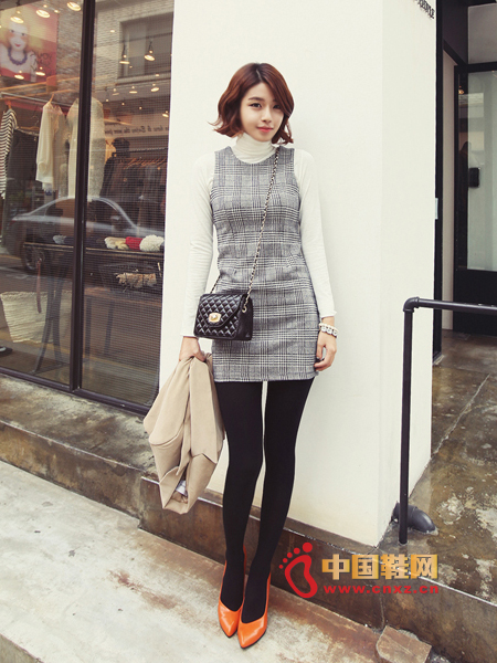 Dignified and meticulous check elements dress, fresh and natural self-cultivation effect