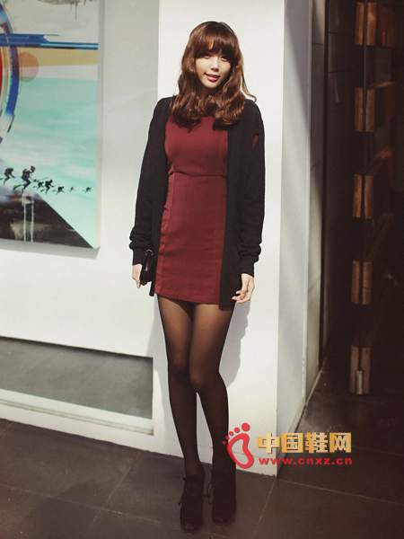 Red-brown slim dress, especially suitable for small MM wear
