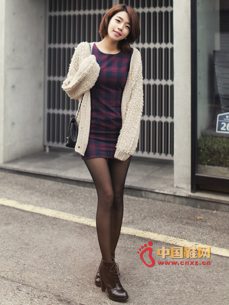 Line-inspired check pattern color dress, concise style and significant temperament