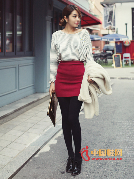 Slim Knit MINI skirt with slim effect and elastic waist treatment