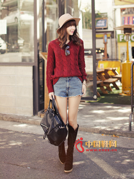 Twisted knit sweater with a good feel, loose fit and comfortable to wear
