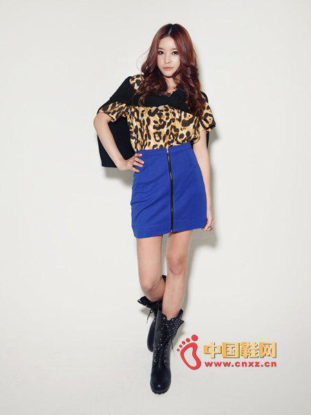 Leopard short-sleeved T, loose fit, comfortable to wear