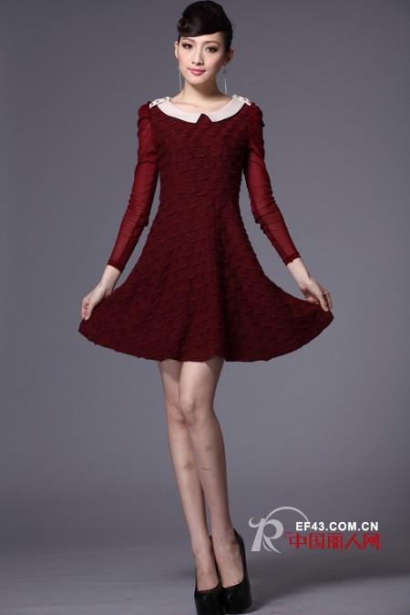 应有美色女装冬款 Lady感连衣裙打造职场至IN潮搭