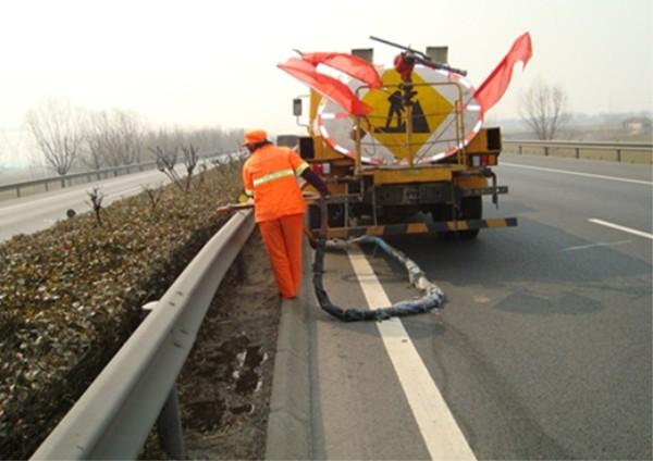 春季公路养护需要注意哪些问题.jpg