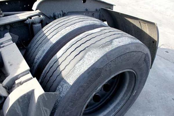 轮胎寿命为何不长 大多都是磨损惹的祸3.jpg