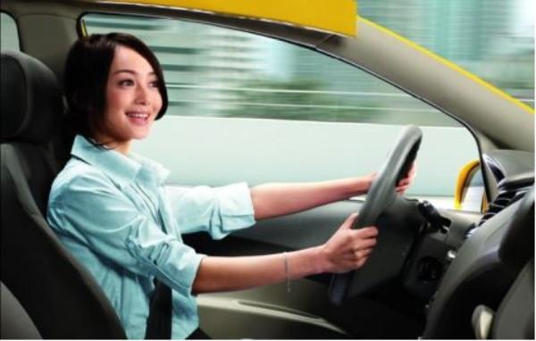 女司机驾驶商务车必须要注意的事项.jpg