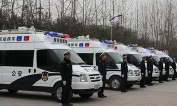 交警指挥车有哪些部分组成_副本1.jpg