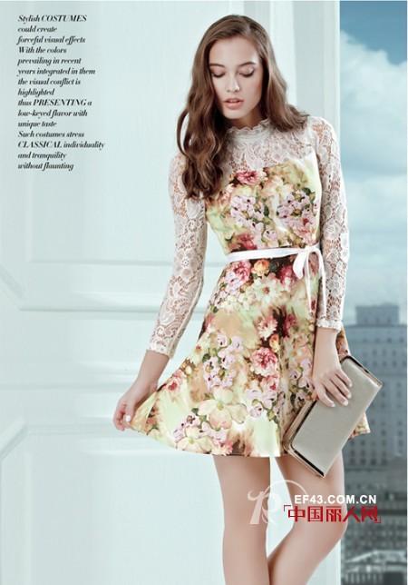 白色蕾丝裙也显瘦 印花蕾丝拼接裙淑女LOOK