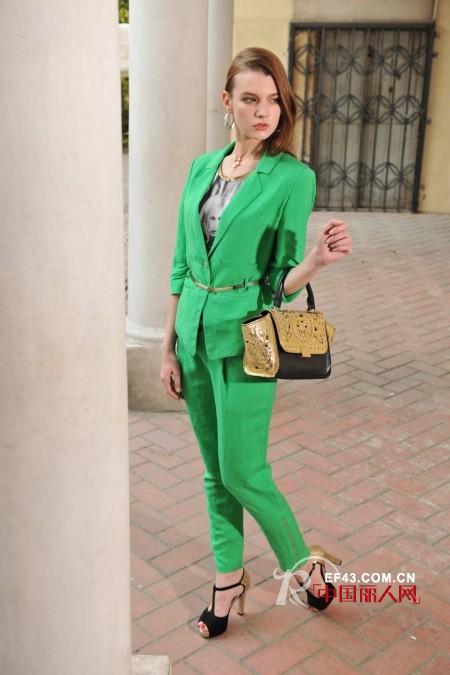 春天里的那一抹绿色 绿色服装怎么搭配 绿色配什么颜色好看