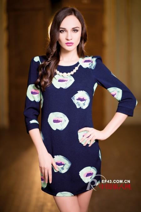 中袖连衣裙搭配 秋季成熟女人穿什么裙子