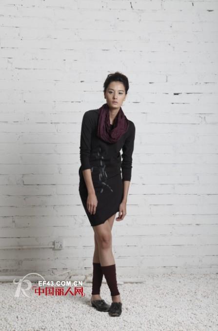 底色品牌女装  展现女性原始魅力