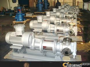 What are the reasons for the lower outlet pressure of the inner ring type high viscosity pump?