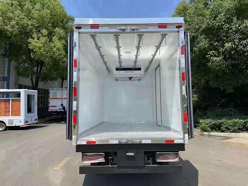 国六蓝牌冷藏车报价 4米2冷藏车多少钱 蓝牌厢式冷藏车价格 冷藏车厂家价格