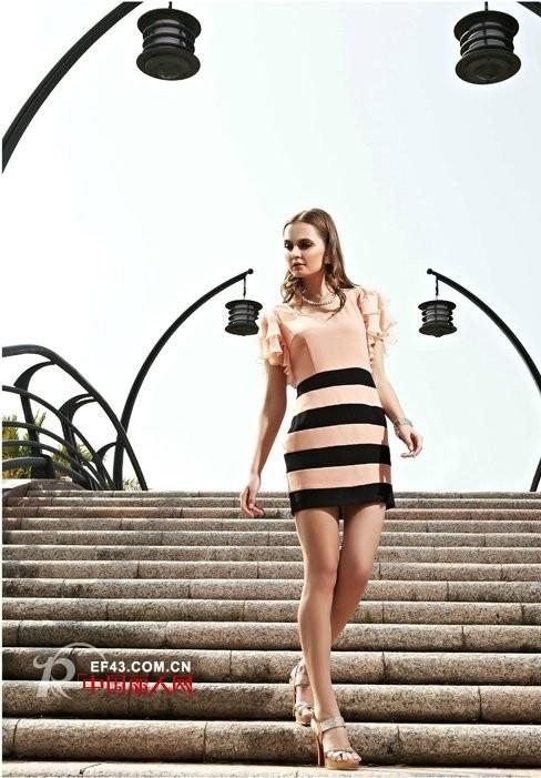 夏季粉色连衣裙新款 浪漫优雅造型新看点