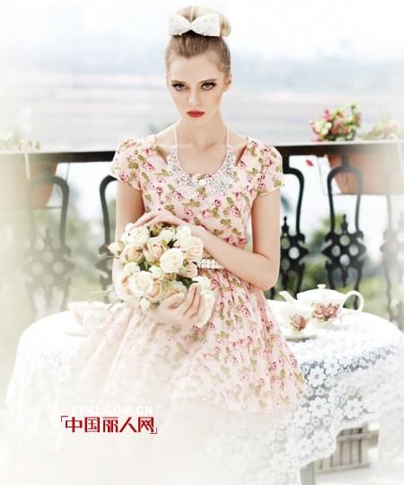 2014夏季连衣裙流行什么 碎花元素依然流行