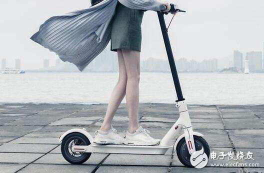 1999 yuan millet electric scooter released! A small pedal takes you through the road!