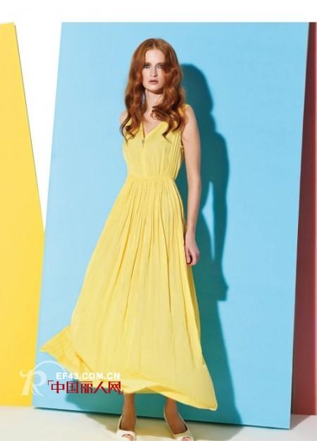 夏季纯色连衣裙 出行最清新的选择