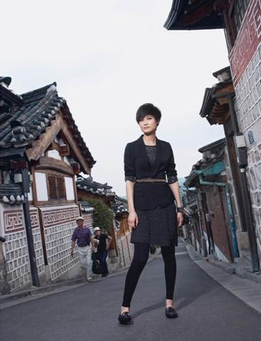 XXEZZ 英伦风尚:李宇春黑色诱惑演绎极致御姐范