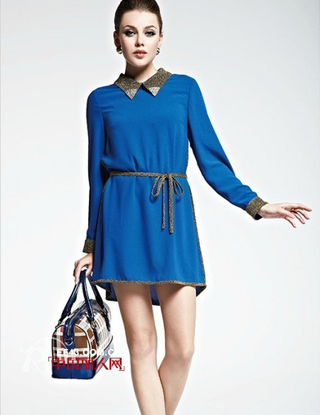 蓝色连衣裙搭配 再现优雅蓝色妖姬