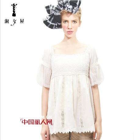 淑女屋品牌女装 精美的绣花、别致的剪裁