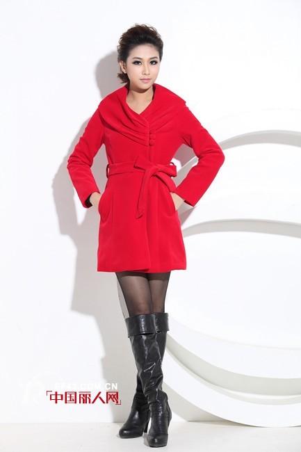 诗丽蕉女装2012冬款 打造通勤人气女王