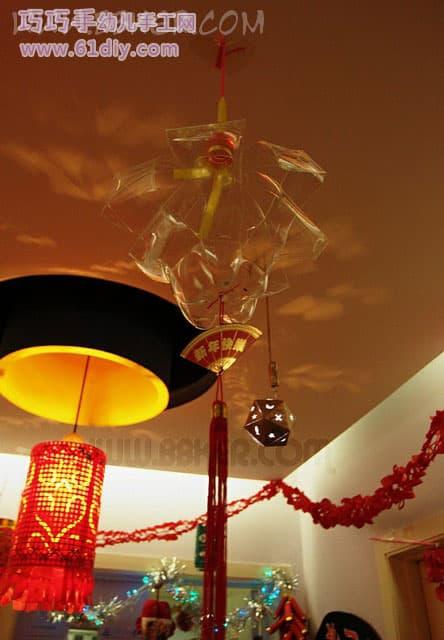Holiday Lanterns-10-Handmade lanterns on the kindergarten corridor, much like jellyfish, good art style