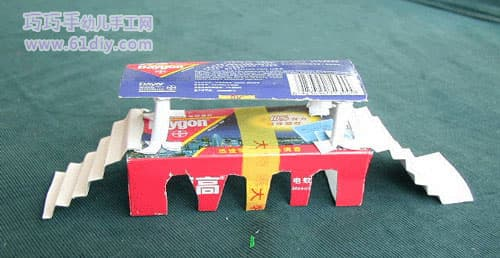 Waste cartons handmade - bridge