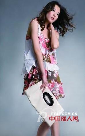 纳吉儿品牌女装  开创时装界全新的行业模式