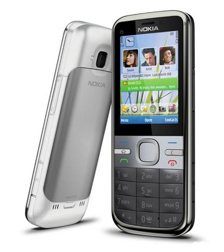 Nokia pushes new C-series phones to focus on mobile social functions