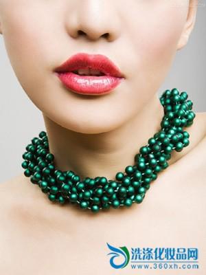 How to maintain moist lips