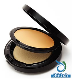 Against autumn and winter dry muscles 4 moisturizing foundation cream
