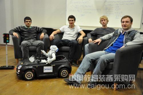 ALDEBARAN Robotics realizes the first step of humanoid robot driving vehicle