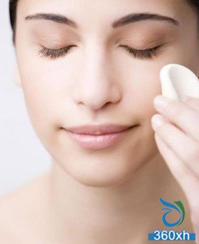 Clean the skin, master the correct makeup removal steps
