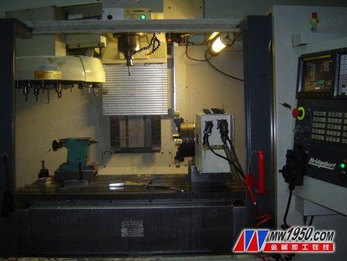 托普VMC1000加工中心正面视图