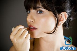 Lip protection: How to choose lipstick?