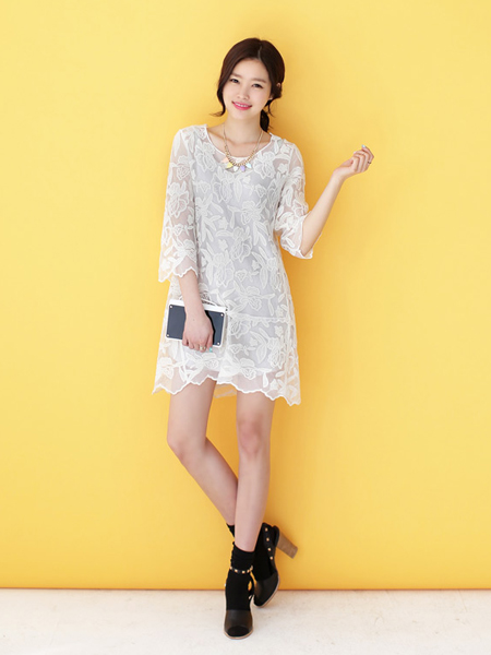 仙气十足的半透蕾丝连衣裙