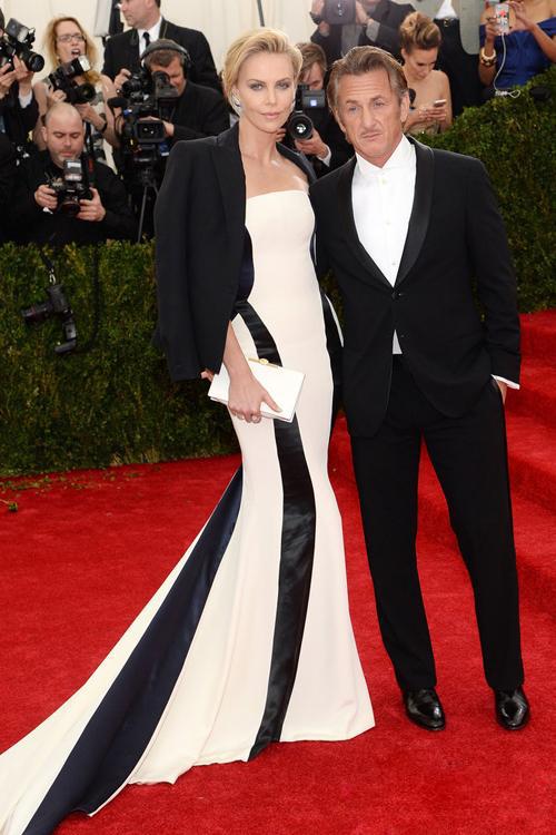查理兹·塞隆(Charlize Theron)与肖恩·潘(Sean Penn)