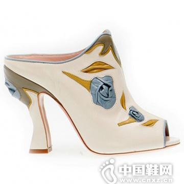 Miu Miu 玫瑰花样浅口白色高跟鞋