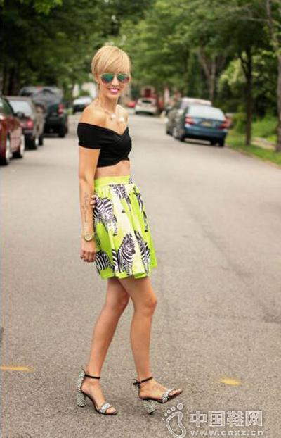 炫酷的斑马印花短裙