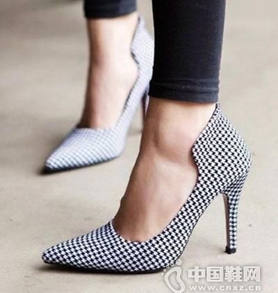千鸟格高跟鞋