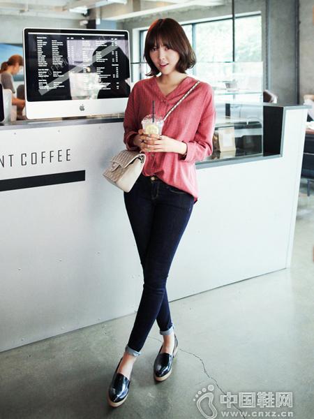 纯色牛仔裤