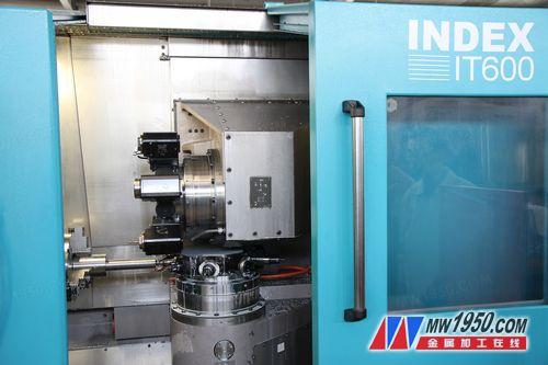 两个转塔刀架,实现加工自由最大化,有效提高生产效率。